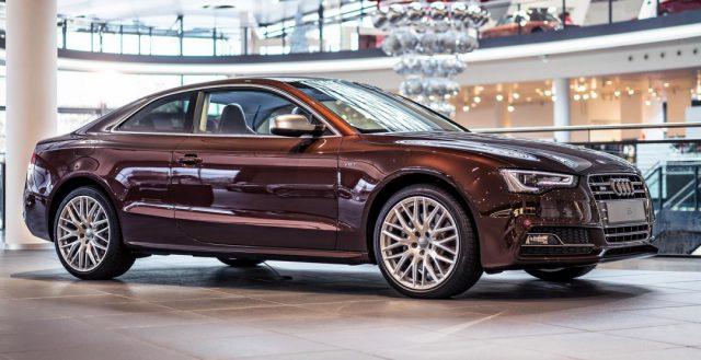 Модель Audi S5 получила кузов «под красное дерево»