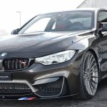 Модель BMW M4 в коричневом цвете получит аксессуары от M Performance