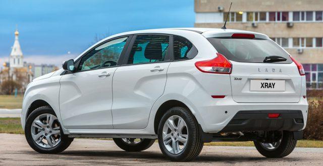 Серийная версия модели Lada X-Ray показалась на официальных снимках