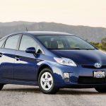 Жители США не смогут купить гибридную Toyota Prius с системой полного привода