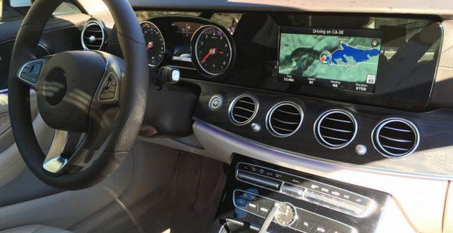 Папарацци раскрыли интерьер новинки 2016 модельного года Mercedes-Benz E-Class в минимальной комплектации