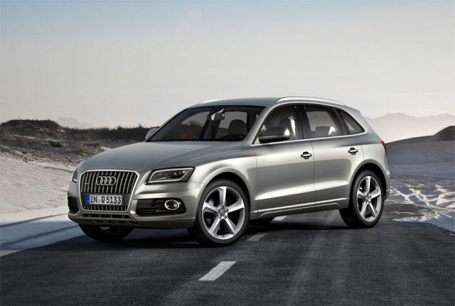 В Москве шпионы успели сфотографировать новую модель Audi Q5 в маскировке
