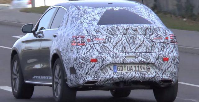 Автомобиль Mercedes-Benz GLC купе в камуфляже стал героем шпионского видео