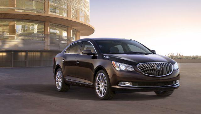 Компания Buick покажет на выставке в Детройте сразу же две новинки
