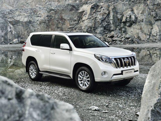 Компания Toyota будет вкладывать деньги в российскую площадку, и радовать россиян новинками