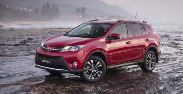 Из России будет отозвано больше 141 000 автомобилей Toyota Rav4