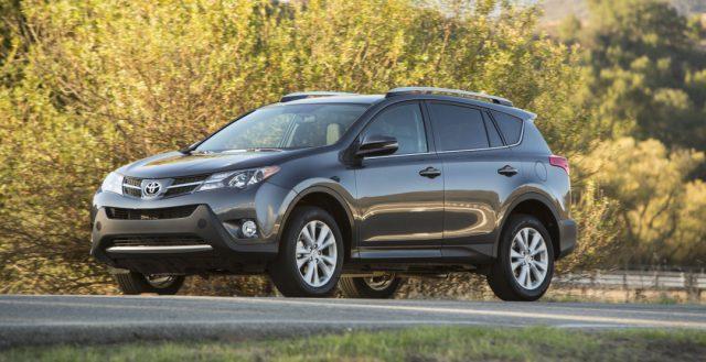 В прошлом месяце самой продаваемой моделью SUV в РФ стала Toyota RAV 4
