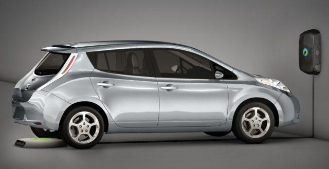 В апреле электрокар Nesla Model S получит зарядку без проводов