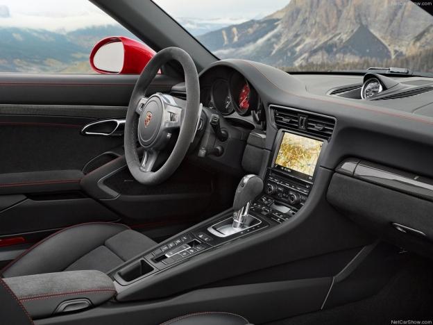Фото салона Порше 911 Тегра ГТС
