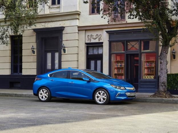 Фото Chevrolet Volt 2016-2017 сбоку