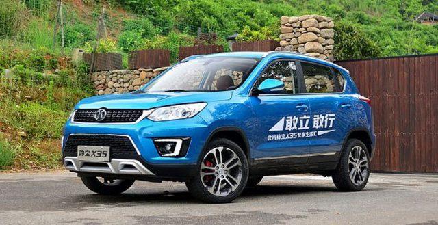 На китайском рынке начала продаваться новинка BAIC Senova X35
