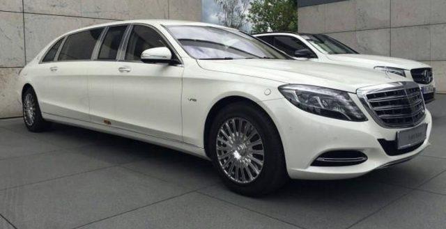 Первая модель Mercedes-Maybach S600 Pullman приехала на территорию КНР