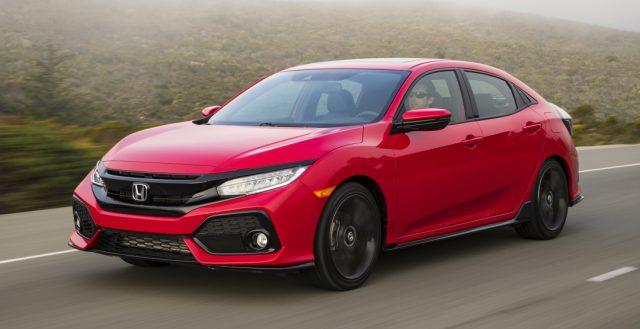 Завтра в Британии начинаются продажи обновленного седана Honda Civic 2017