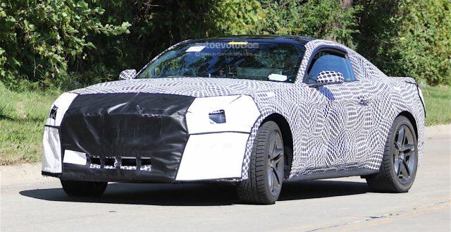 Шпионы впервые сфотографировали новинку 2018 года Ford Mustang