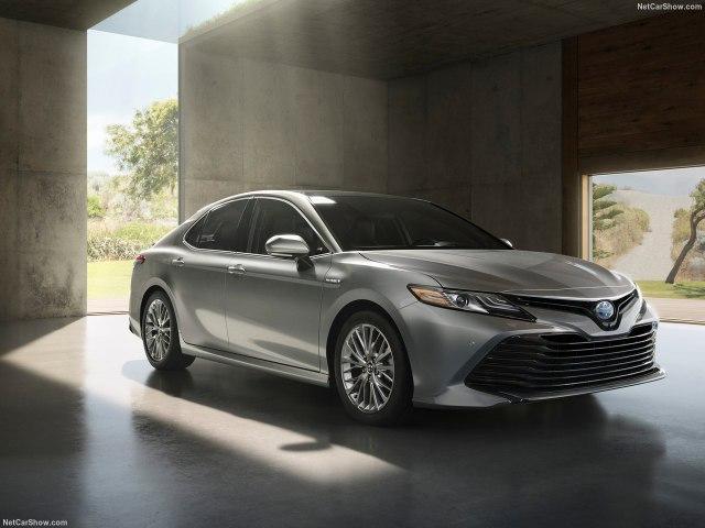 Тойота Камри 2018 модельного года: цены, комплектации, фото и характеристики