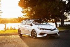 Тойота Королла 2018 - комплектации, цены и фото