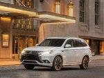 Mitsubishi Outlander 2018 - комплектации, цены и фото