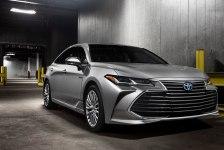 Toyota Avalon 2018 - комплектации, цены и фото