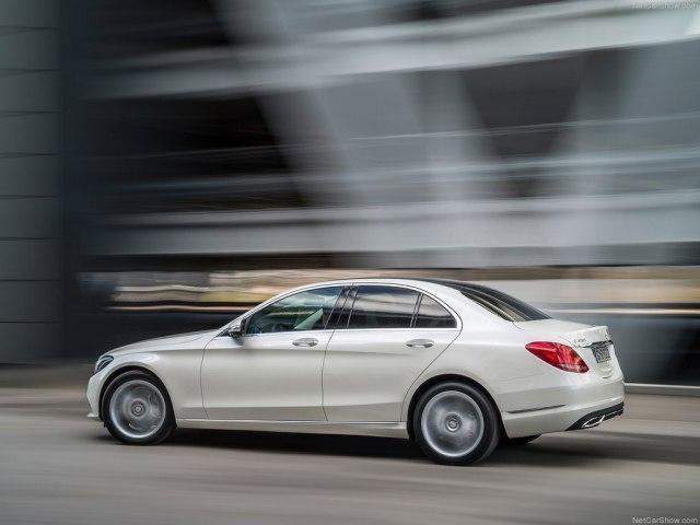 Mercedes-Benz C-Class 2019 в новом кузове, цены, комплектации, фото, видео тест-драйв