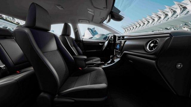 Первые фото посвежевшей Toyota Corolla 2019 появились в сети Фото Авто Коломна