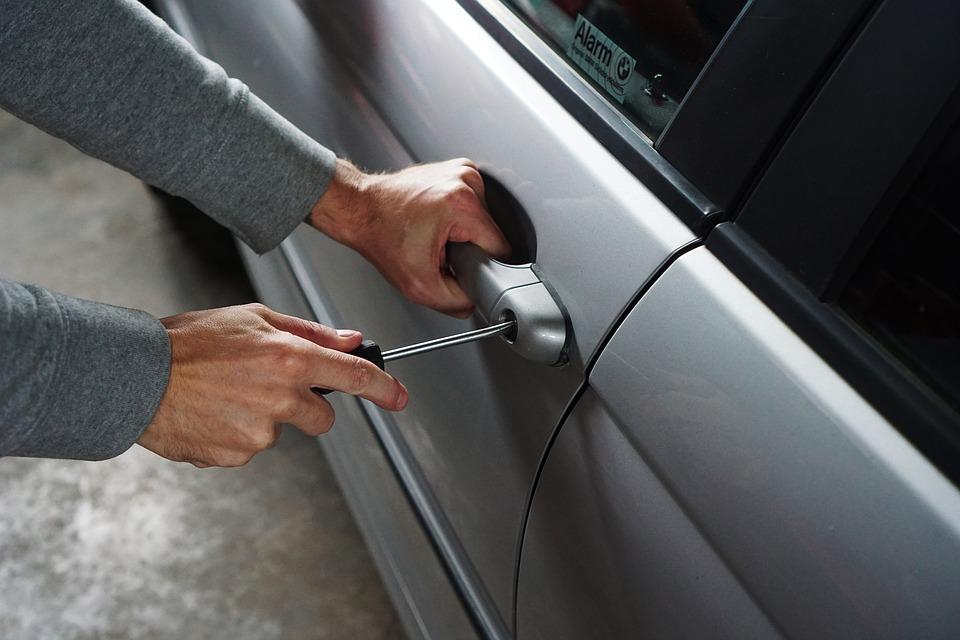 4 простых правила, как уберечь свой автомобиль от грабителей